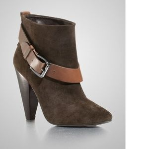 NEW GUESS Carolyn - D Brown Suede BOOTIES